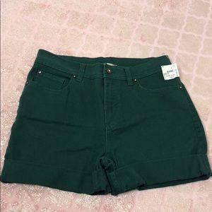 Green high-waist shorts